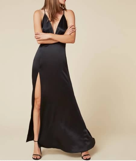 Que mettre avec une robe noire, porter une robe noire, comment porter une robe noire, comment porter la robe noire, look robe noire, comment porter une petite robe noire, tenue avec robe noire, tenue robe noir, comment porter petite robe noire