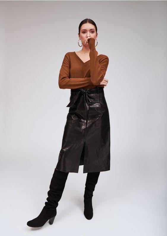 porter une jupe en cuir,look avec jupe en cuir, que porter avec une jupe en cuir, avec quoi porter une jupe en cuir, avec quoi porter une jupe en cuir noir, comment porter jupe en cuir, ma jupe en cuir, tenue jupe cuir, que mettre avec une jupe en cuir, tenue jupe en cuir, tenue avec jupe en cuir, jupe en cuir avec quoi la porter, comment porter la jupe en cuir, quoi porter avec une jupe en cuir, mode jupe cuir, que mettre avec une jupe en cuir noir, look jupe cuir, jupe en cuir et bottes, comment porter une jupe en cuir noir, quoi mettre avec une jupe en cuir, porter jupe en cuir, style jupe en cuir, look jupe en cuir, porter la jupe en cuir, comment porter une jupe en cuir