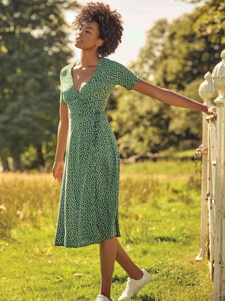 robe portefeuille baskets femme
